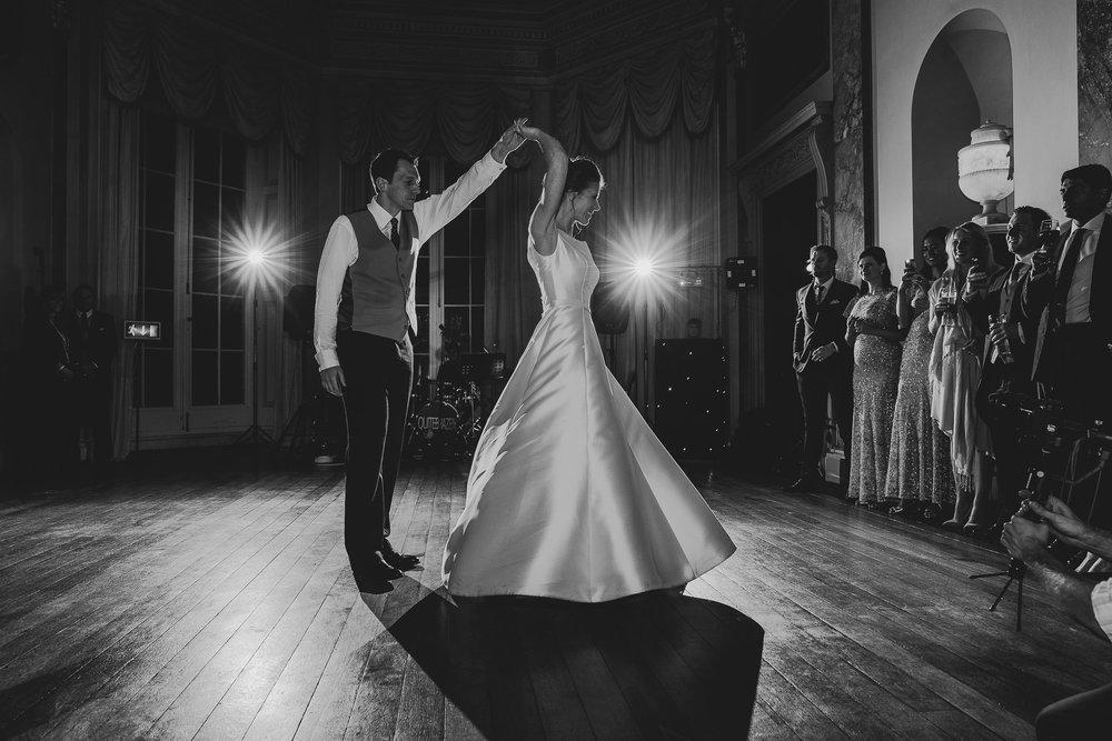 POWDERHAM-CASTLE-WEDDING-PHOTOGRAPHER-200.jpg