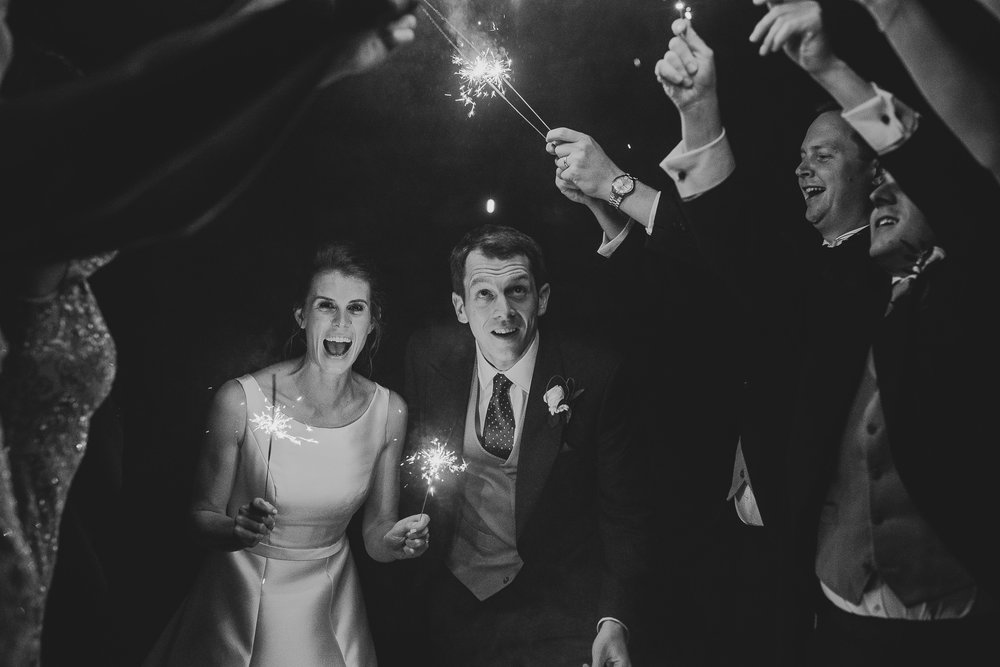POWDERHAM-CASTLE-WEDDING-PHOTOGRAPHER-210.jpg