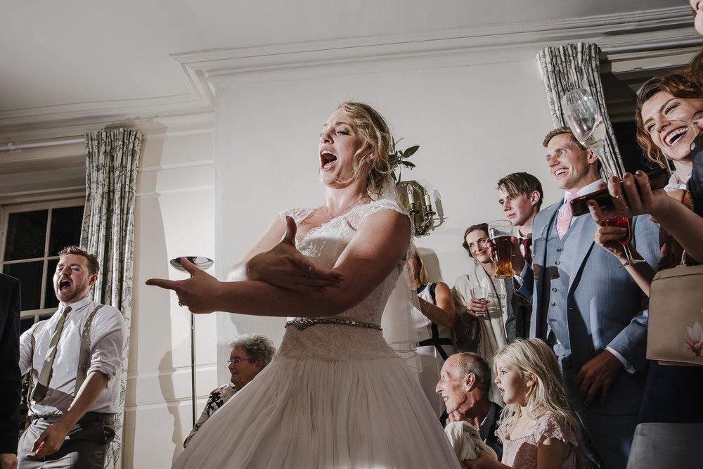 CORNWALL-WEDDING-PHOTOGRAPHER-400.jpg