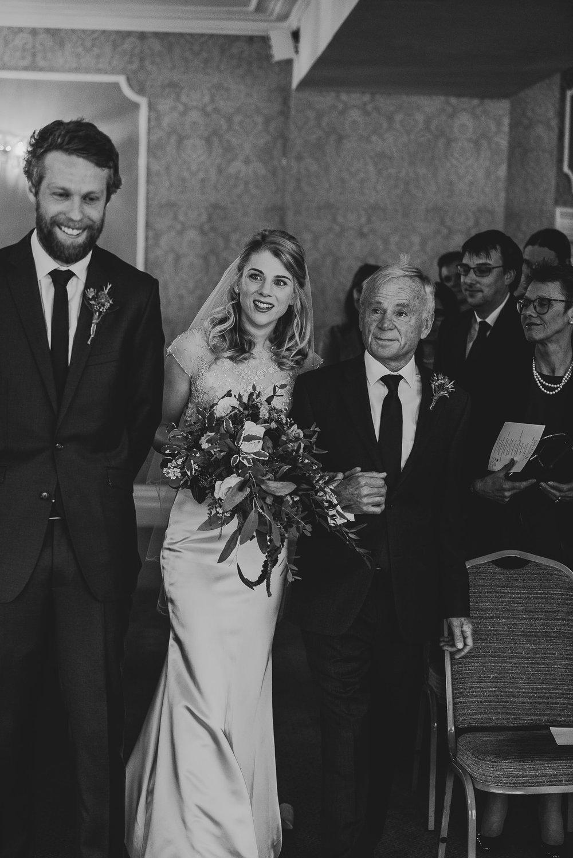 CORNWALL-WEDDING-PHOTOGRAPHER-3119.jpg