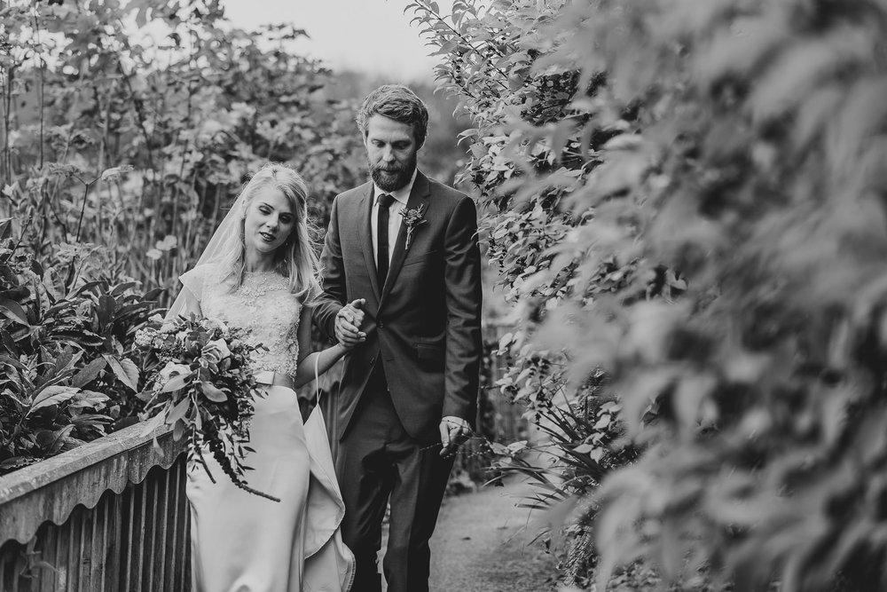 CORNWALL-WEDDING-PHOTOGRAPHER-3138.jpg