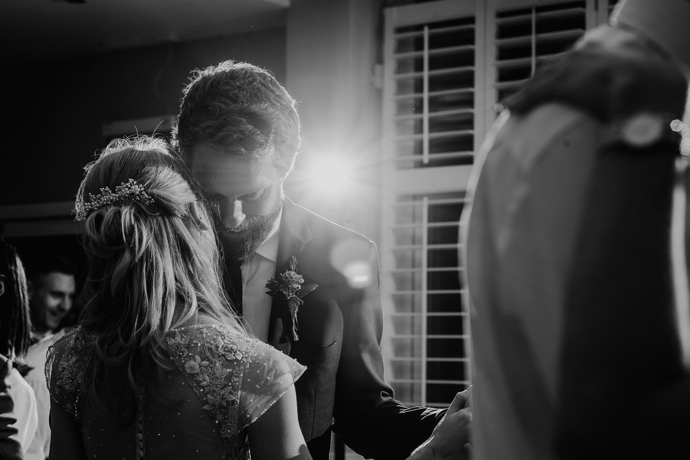 CORNWALL-WEDDING-PHOTOGRAPHER-3206.jpg