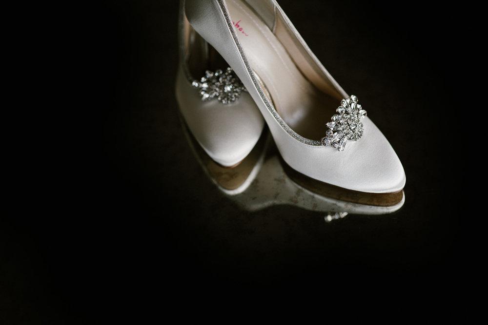 CORNWALL-WEDDING-PHOTOGRAPHER-108.jpg