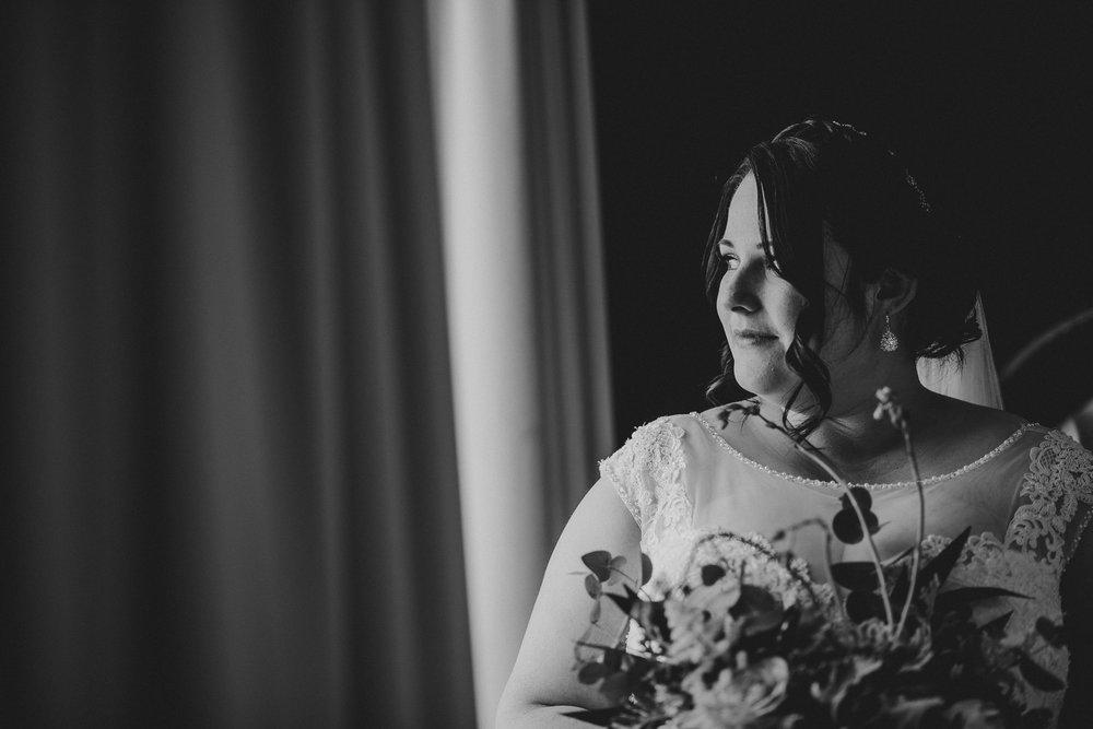 CORNWALL-WEDDING-PHOTOGRAPHER-126.jpg
