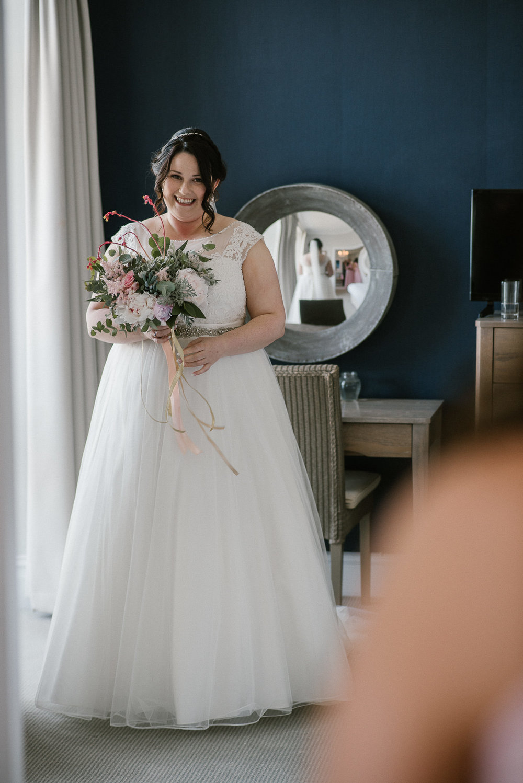 CORNWALL-WEDDING-PHOTOGRAPHER-125.jpg