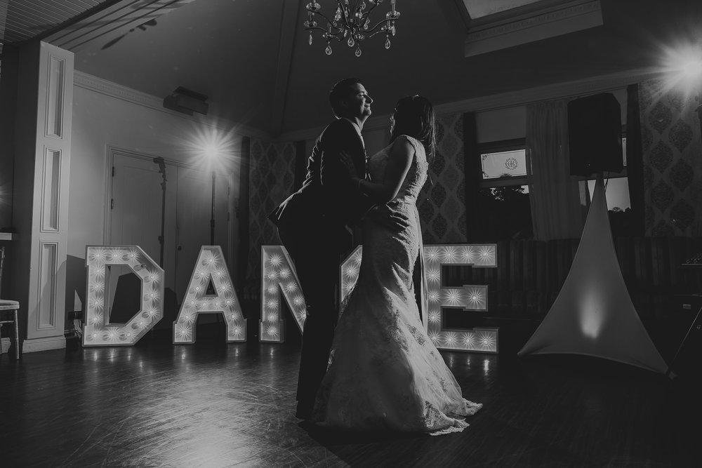 CORNWALL-WEDDING-PHOTOGRAPHER-2603.jpg