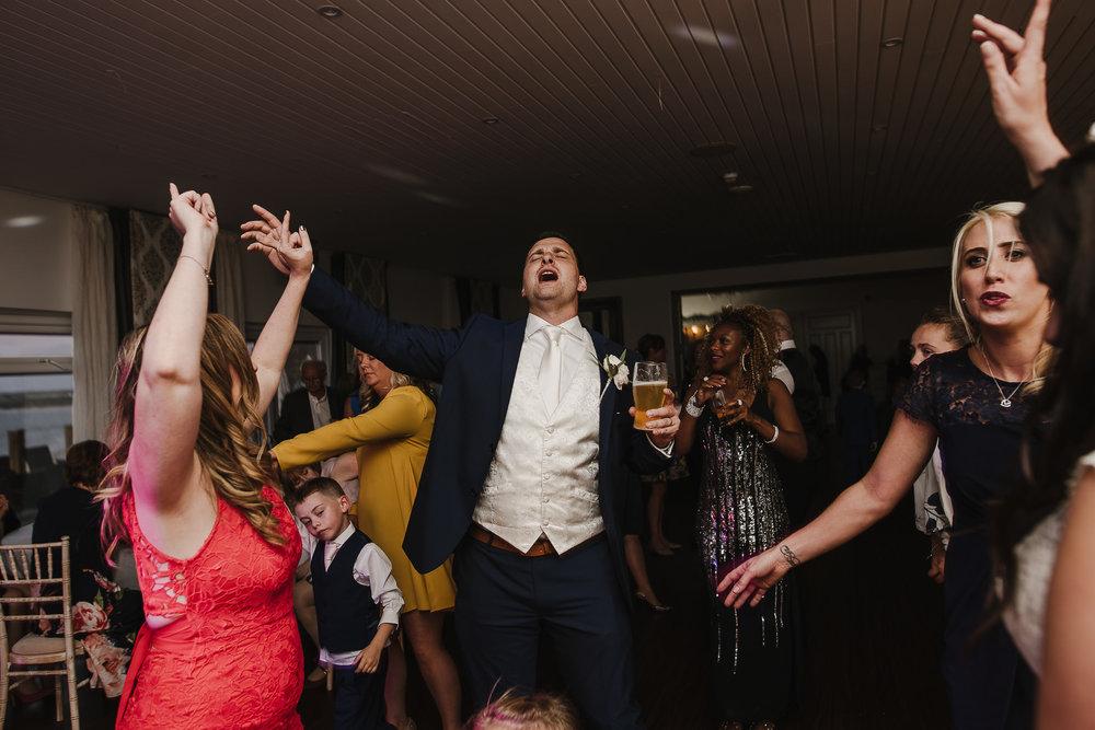 CORNWALL-WEDDING-PHOTOGRAPHER-2606.jpg