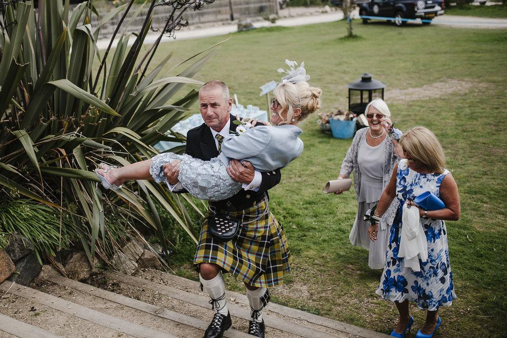 CORNWALL-WEDDING-PHOTOGRAPHER-2316.jpg