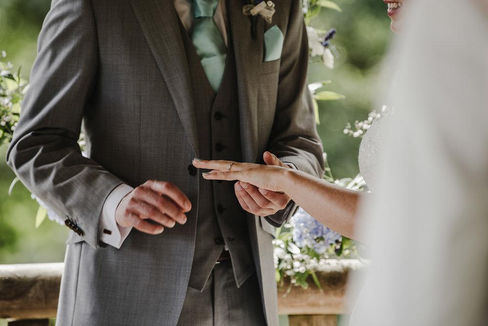 CORNWALL-WEDDING-PHOTOGRAPHER-2343.jpg