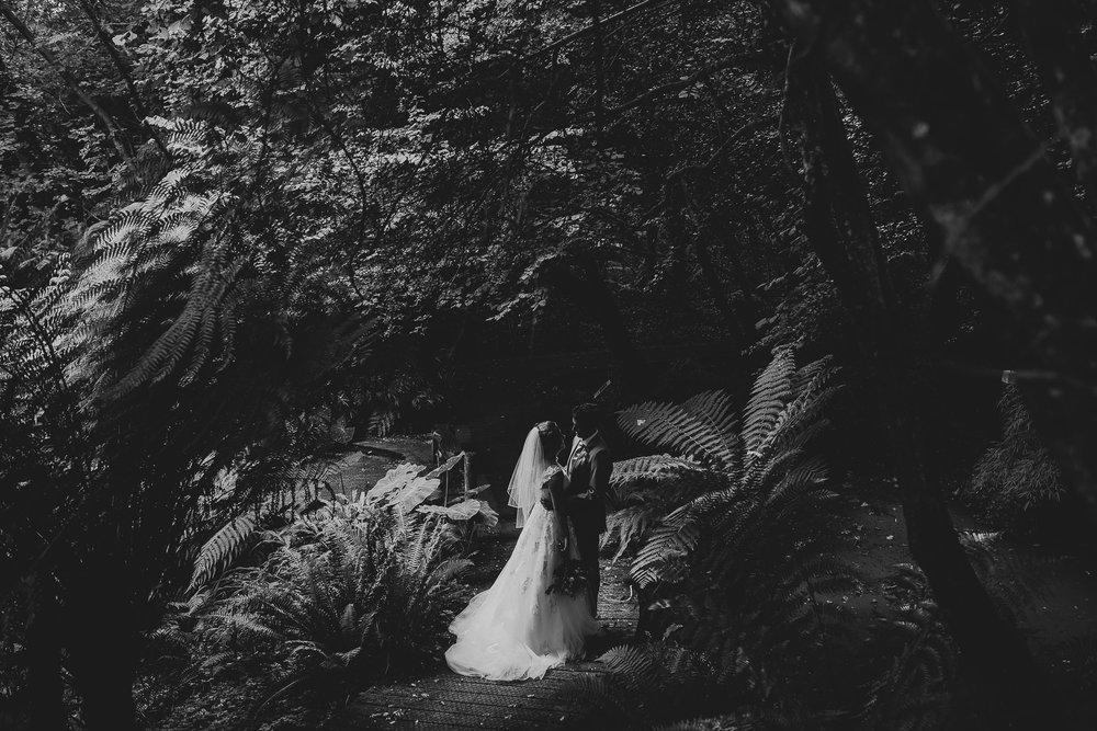 CORNWALL-WEDDING-PHOTOGRAPHER-2381.jpg