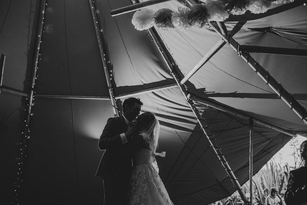 CORNWALL-WEDDING-PHOTOGRAPHER-2422.jpg