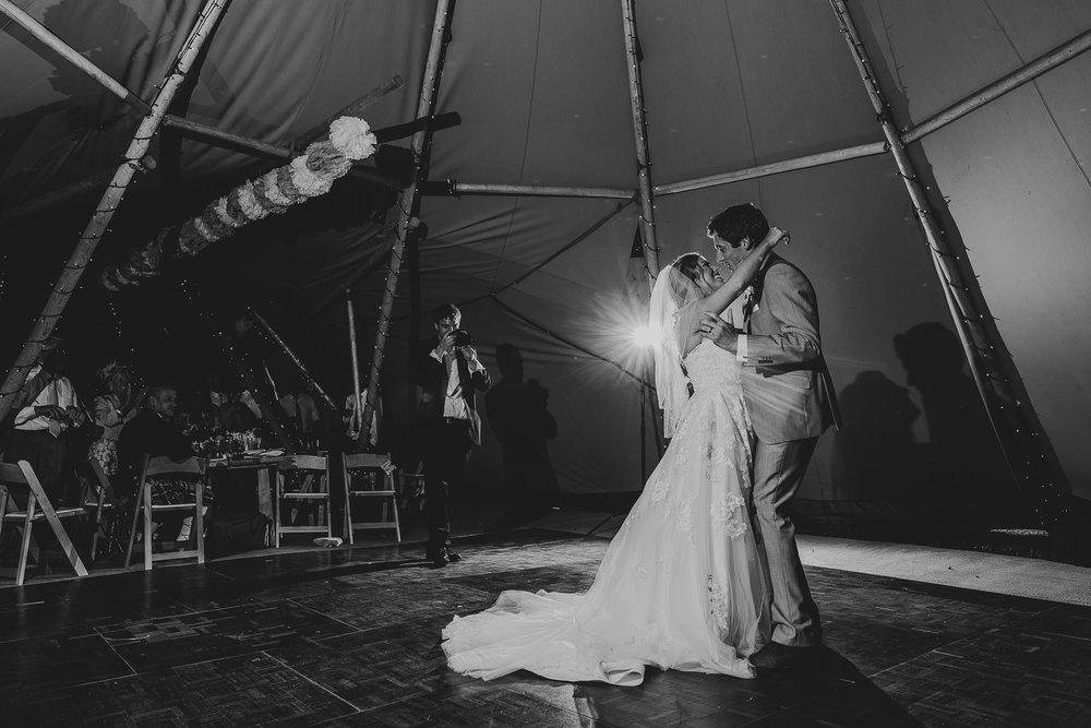 CORNWALL-WEDDING-PHOTOGRAPHER-2426.jpg