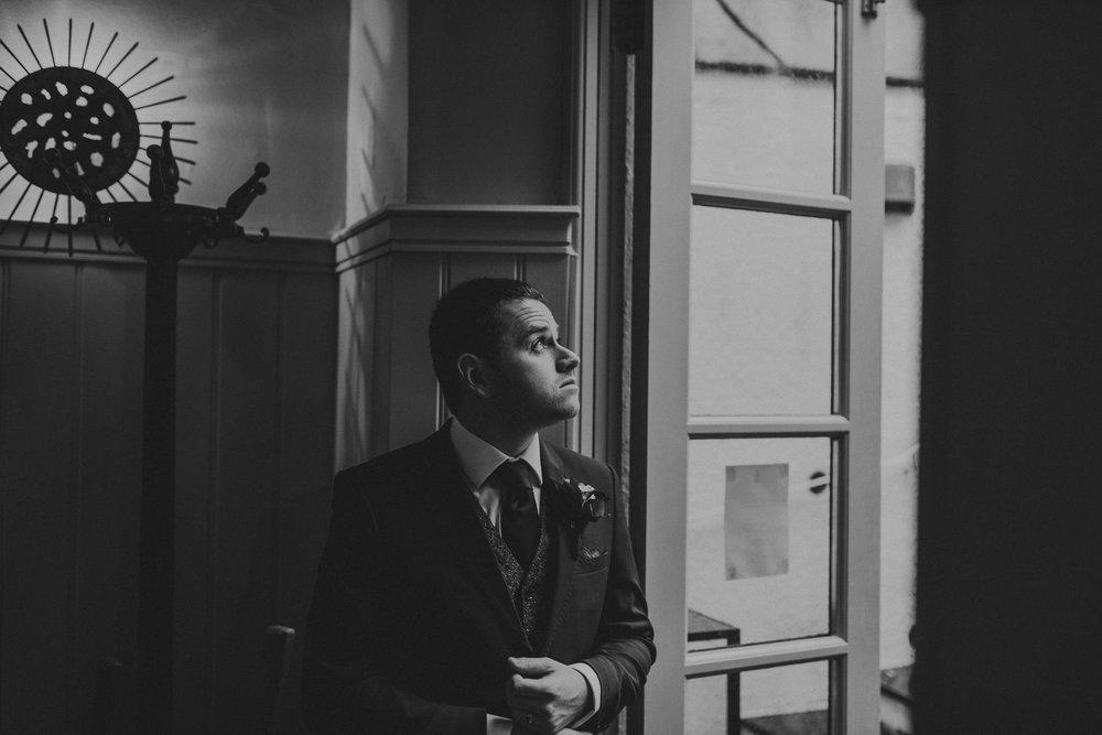 CORNWALL-WEDDING-PHOTOGRAPHER-3039.jpg