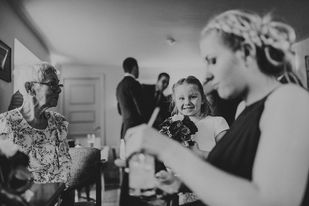 CORNWALL-WEDDING-PHOTOGRAPHER-3046.jpg