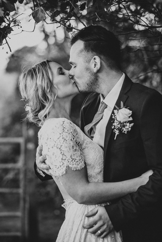 CORNWALL-WEDDING-PHOTOGRAPHER-65.jpg