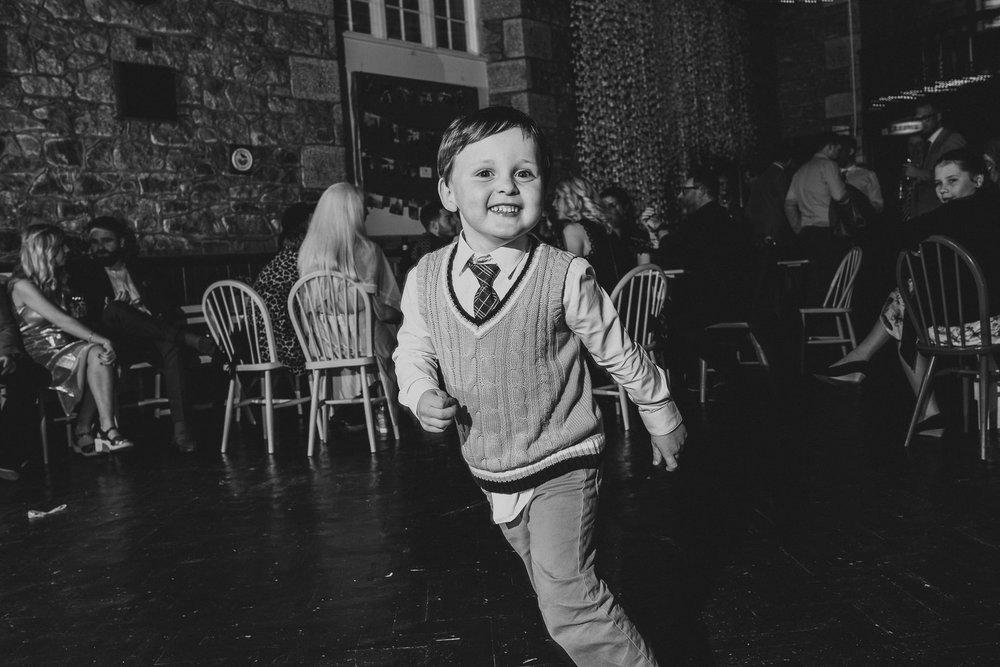 CORNWALL-WEDDING-PHOTOGRAPHER-84.jpg