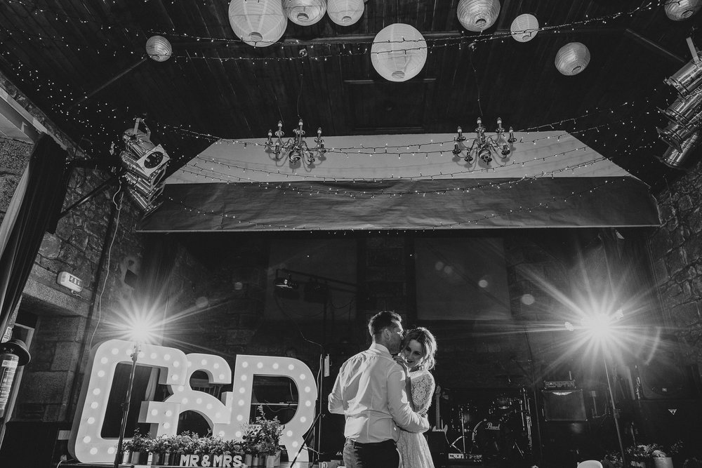 CORNWALL-WEDDING-PHOTOGRAPHER-89.jpg