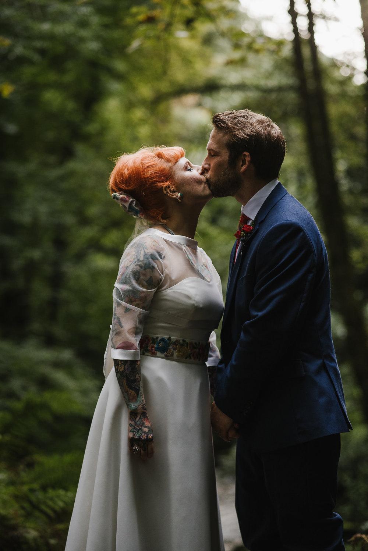 CORNWALL-WEDDING-PHOTOGRAPHER-2712.jpg