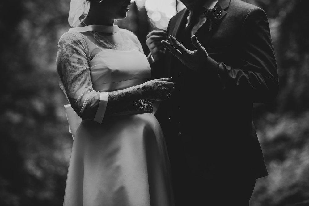 CORNWALL-WEDDING-PHOTOGRAPHER-2718.jpg