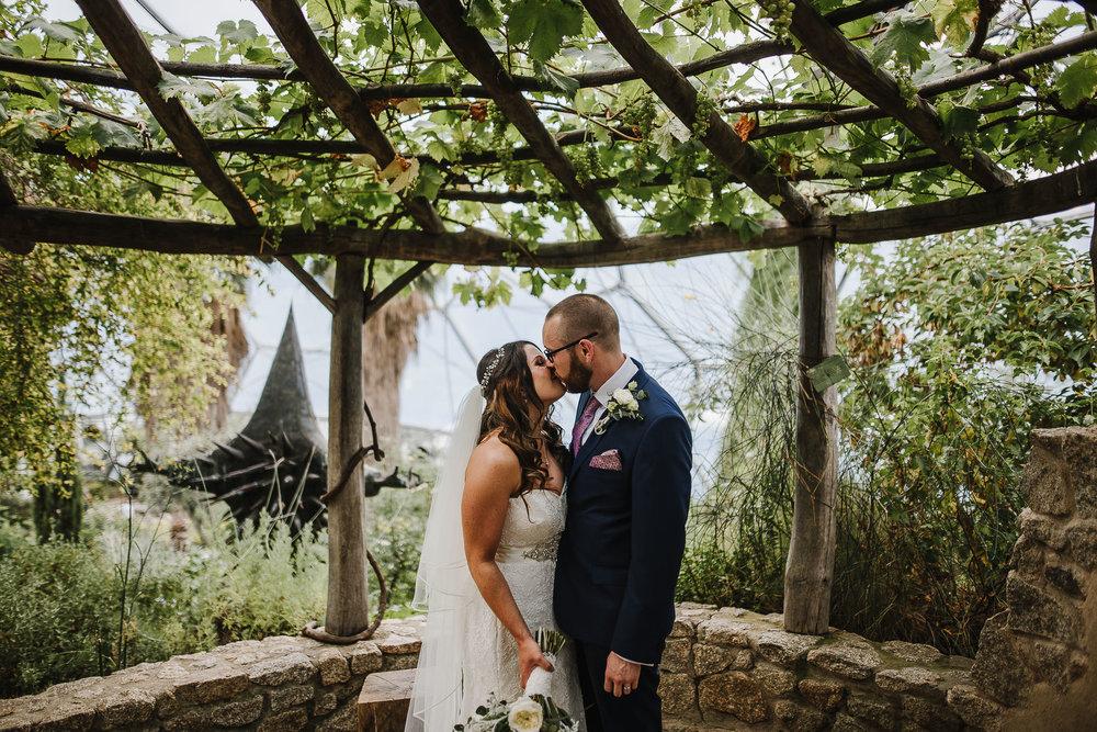 CORNWALL-WEDDING-PHOTOGRAPHER-1398.jpg