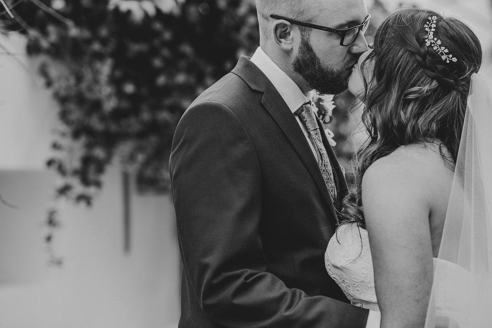 CORNWALL-WEDDING-PHOTOGRAPHER-1406.jpg