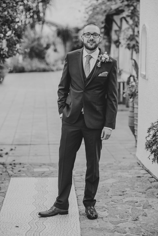 CORNWALL-WEDDING-PHOTOGRAPHER-1411.jpg