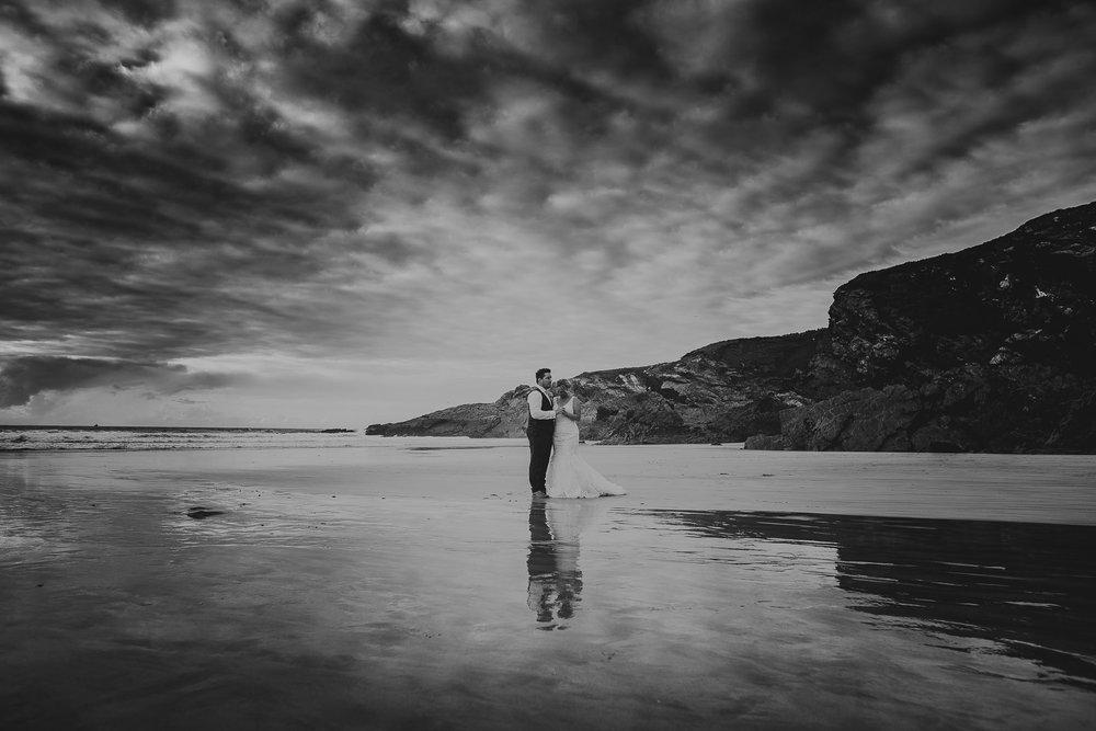 CORNWALL-WEDDING-PHOTOGRAPHER-1605.jpg