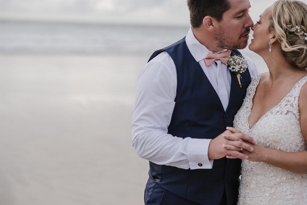 CORNWALL-WEDDING-PHOTOGRAPHER-1606.jpg