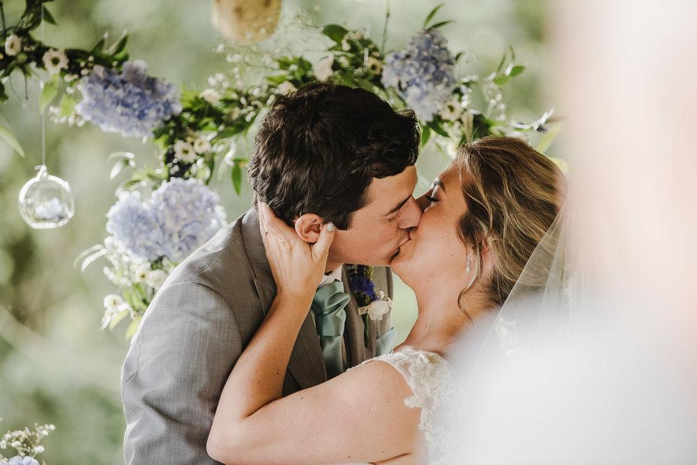 BEST-WEDDING-PHOTOGRAPHER-CORNWALL-2018-64.jpg