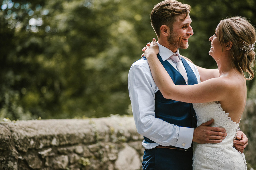 BEST-WEDDING-PHOTOGRAPHER-CORNWALL-2018-73.jpg