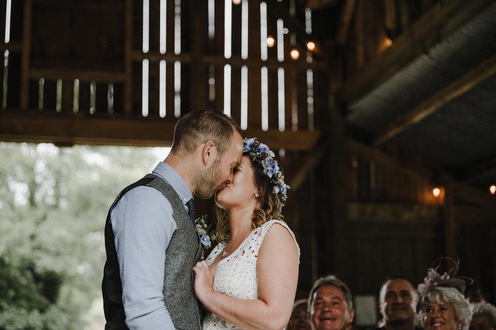 BEST-WEDDING-PHOTOGRAPHER-CORNWALL-2018-126.jpg