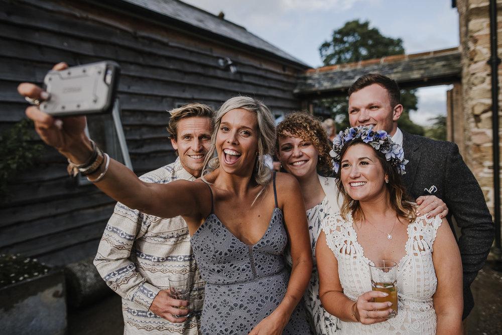 BEST-WEDDING-PHOTOGRAPHER-CORNWALL-2018-142.jpg
