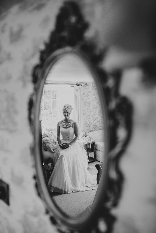 BEST-WEDDING-PHOTOGRAPHER-CORNWALL-2018-152.jpg
