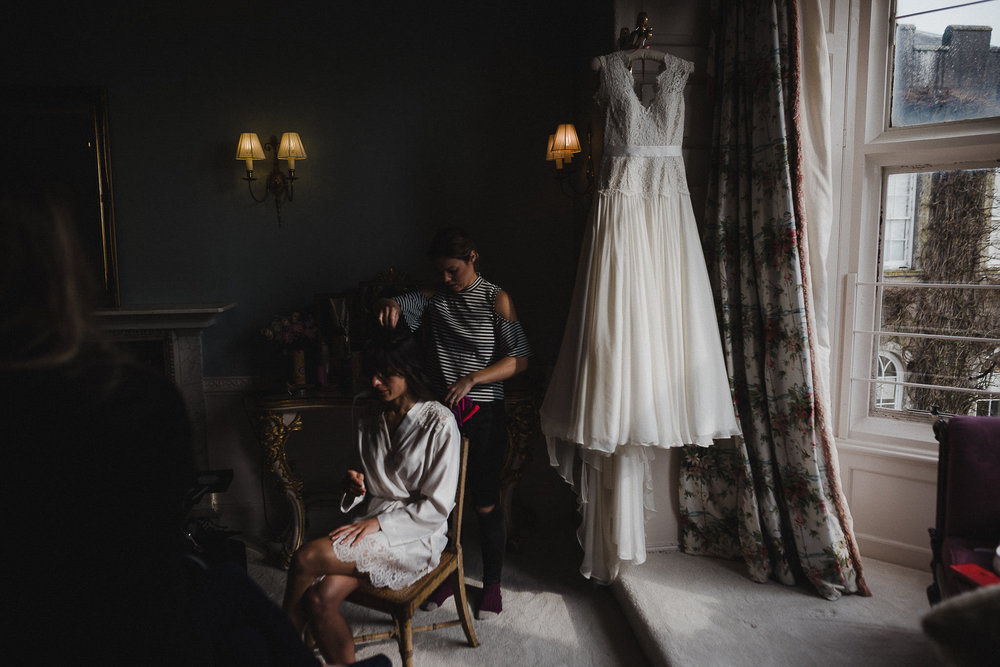 POWDERHAM-CASTLE-WEDDING-PHOTOGRAPHER-CORNWALL-DEVON-11.jpg