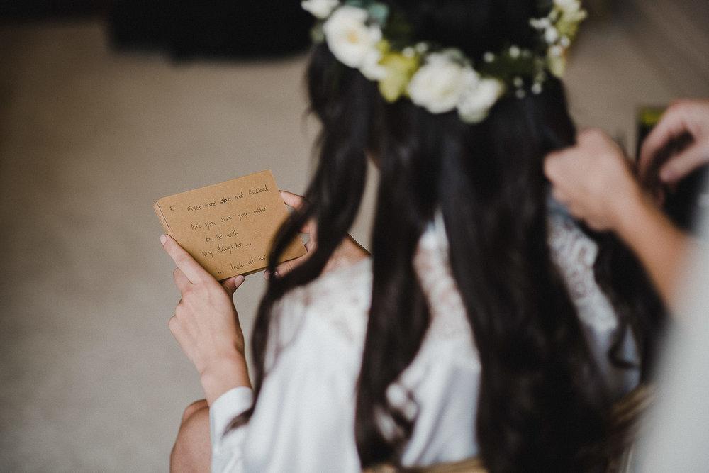 POWDERHAM-CASTLE-WEDDING-PHOTOGRAPHER-CORNWALL-DEVON-16.jpg