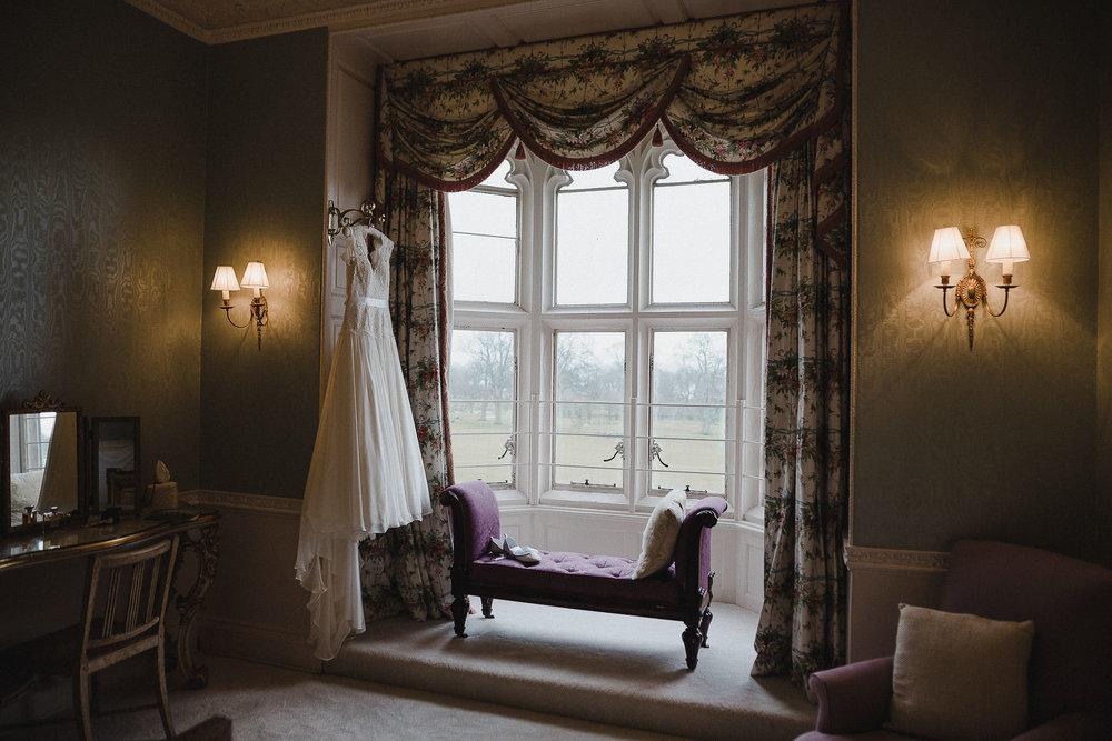 POWDERHAM-CASTLE-WEDDING-PHOTOGRAPHER-CORNWALL-DEVON-20.jpg