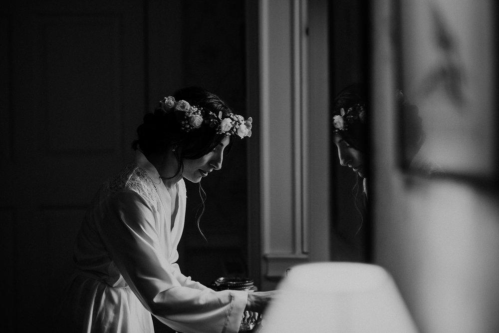 POWDERHAM-CASTLE-WEDDING-PHOTOGRAPHER-CORNWALL-DEVON-21.jpg