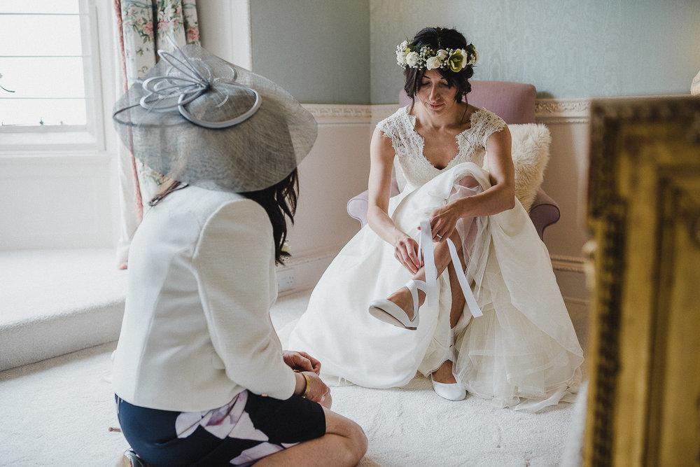 POWDERHAM-CASTLE-WEDDING-PHOTOGRAPHER-CORNWALL-DEVON-27.jpg