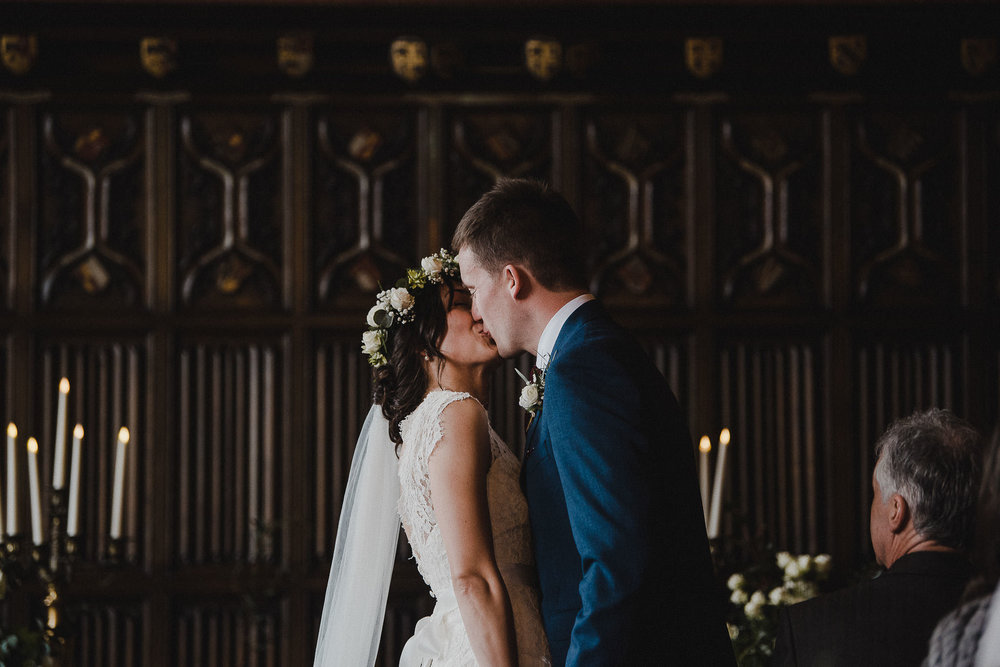 POWDERHAM-CASTLE-WEDDING-PHOTOGRAPHER-CORNWALL-DEVON-35.jpg