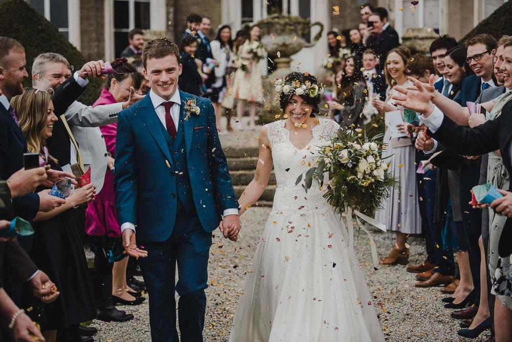 POWDERHAM-CASTLE-WEDDING-PHOTOGRAPHER-CORNWALL-DEVON-37.jpg