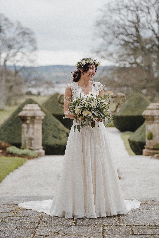POWDERHAM-CASTLE-WEDDING-PHOTOGRAPHER-CORNWALL-DEVON-49.jpg