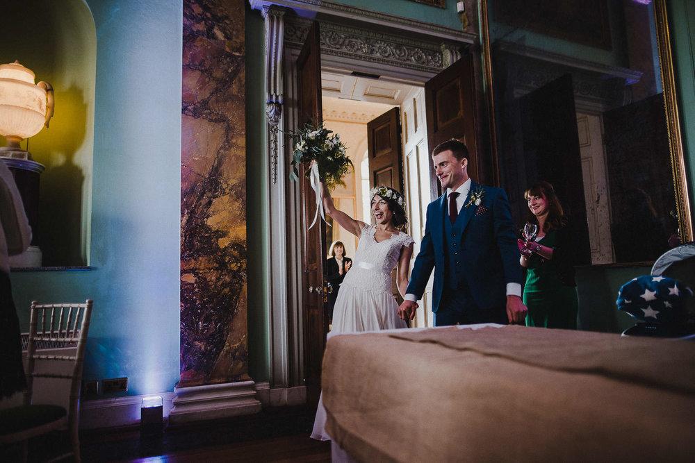 POWDERHAM-CASTLE-WEDDING-PHOTOGRAPHER-CORNWALL-DEVON-51.jpg