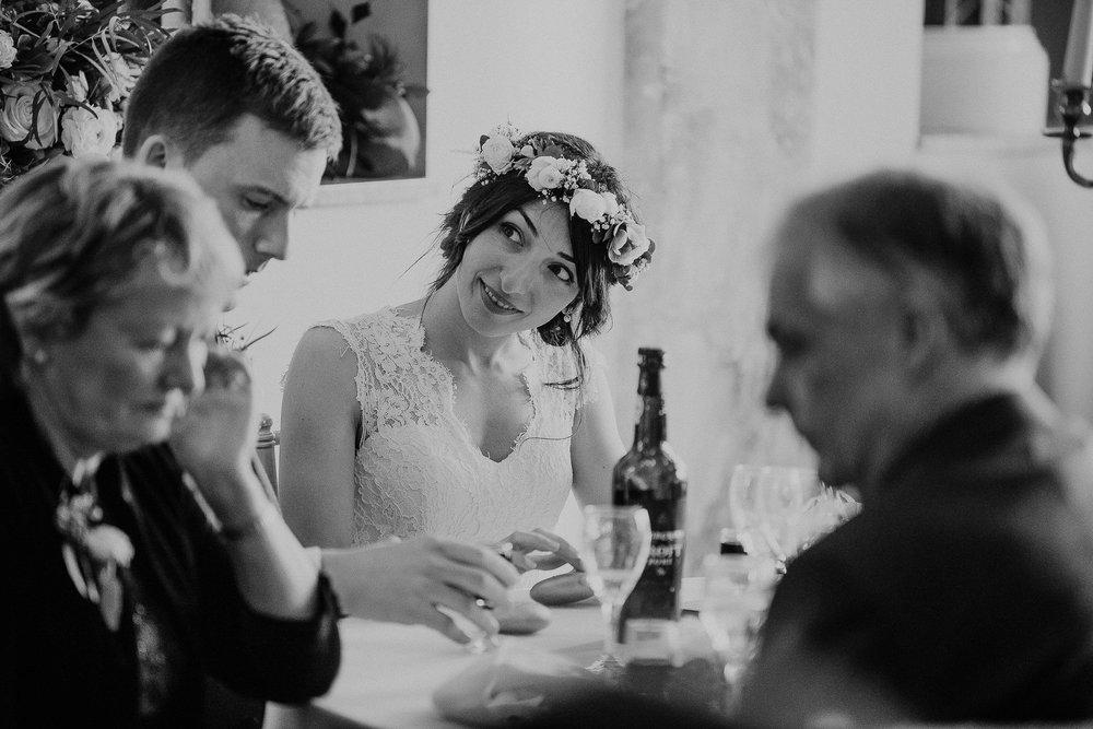 POWDERHAM-CASTLE-WEDDING-PHOTOGRAPHER-CORNWALL-DEVON-62.jpg
