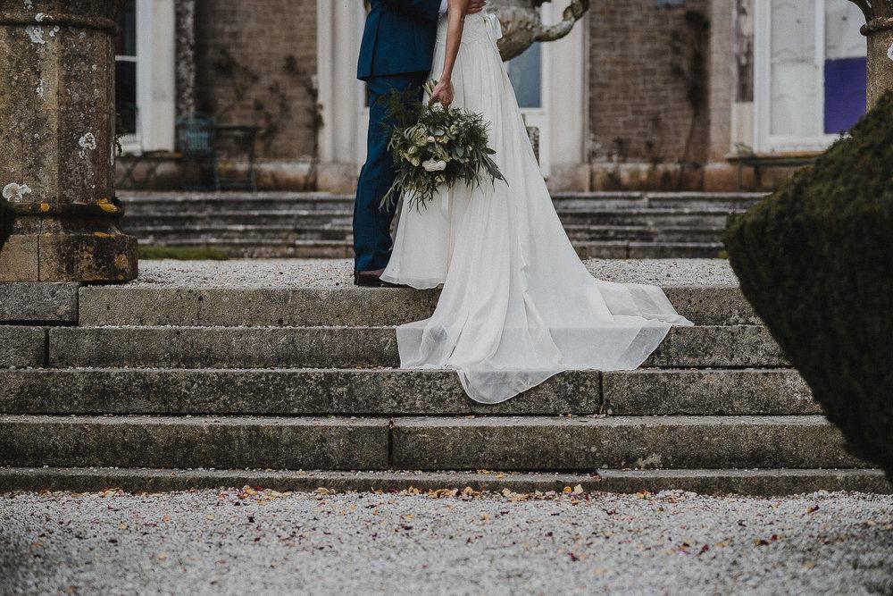 POWDERHAM-CASTLE-WEDDING-PHOTOGRAPHER-CORNWALL-DEVON-69.jpg