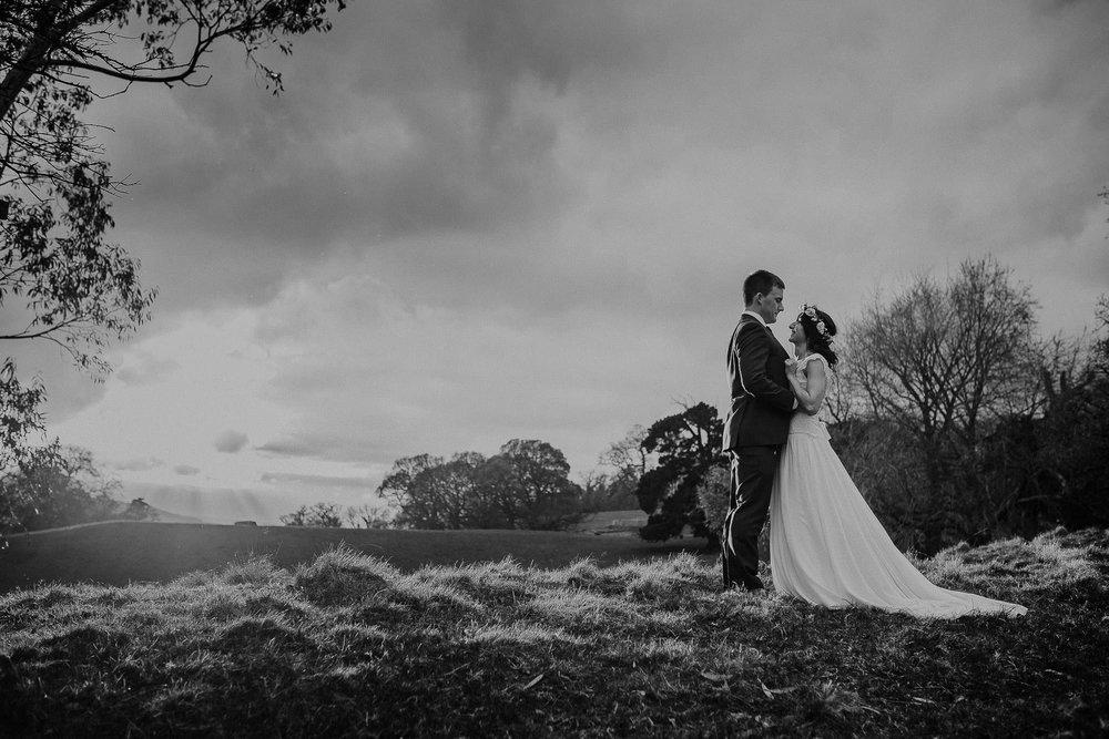 POWDERHAM-CASTLE-WEDDING-PHOTOGRAPHER-CORNWALL-DEVON-91.jpg
