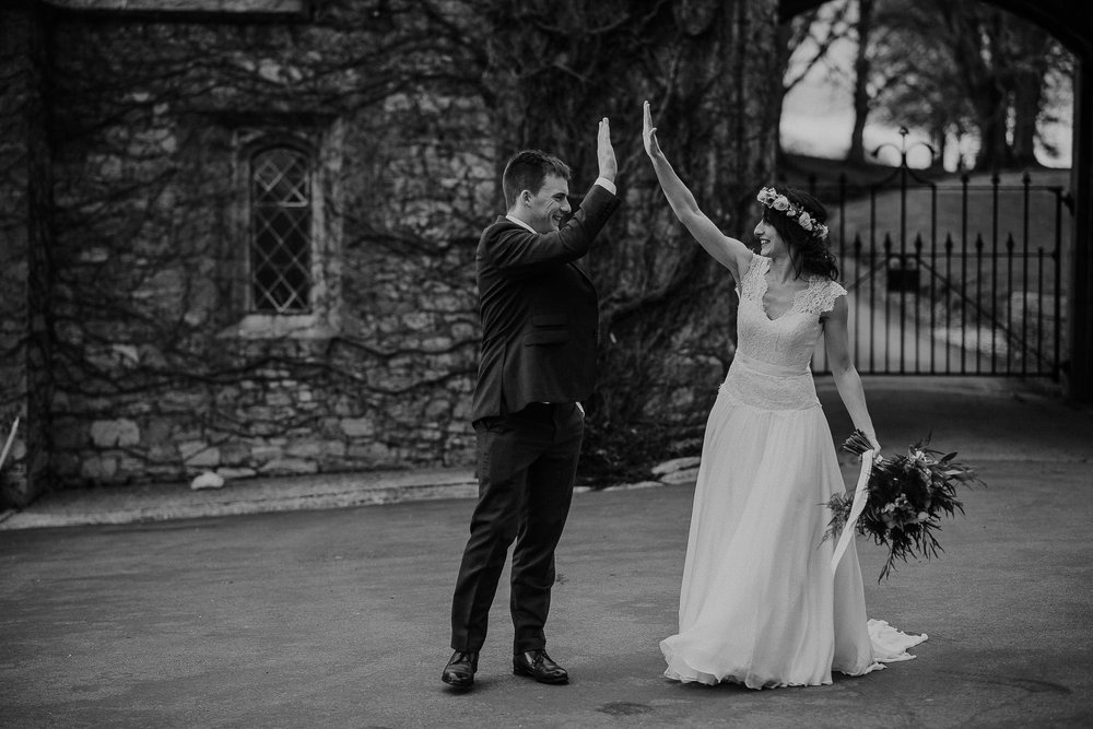 POWDERHAM-CASTLE-WEDDING-PHOTOGRAPHER-CORNWALL-DEVON-94.jpg