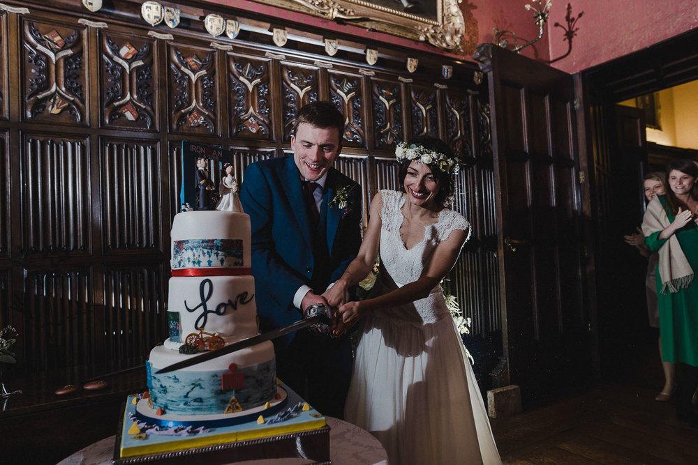 POWDERHAM-CASTLE-WEDDING-PHOTOGRAPHER-CORNWALL-DEVON-105.jpg