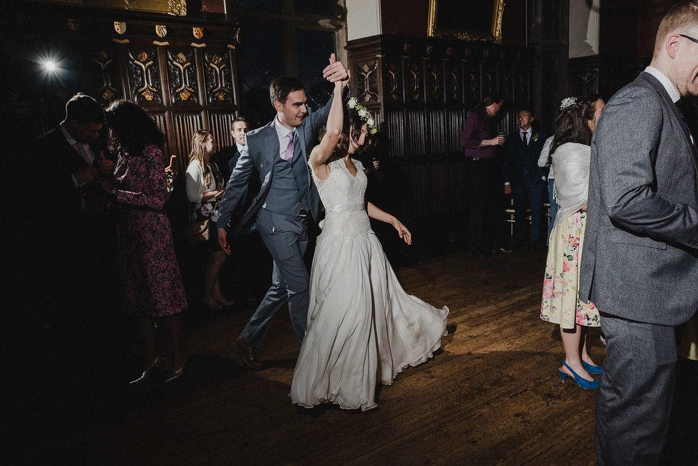 POWDERHAM-CASTLE-WEDDING-PHOTOGRAPHER-CORNWALL-DEVON-111.jpg