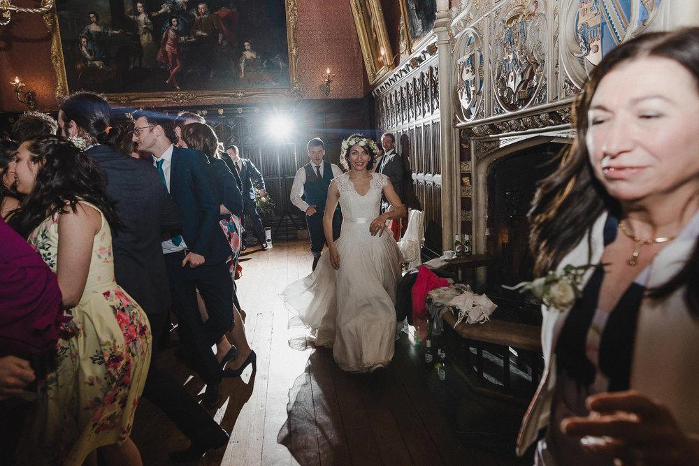 POWDERHAM-CASTLE-WEDDING-PHOTOGRAPHER-CORNWALL-DEVON-112.jpg