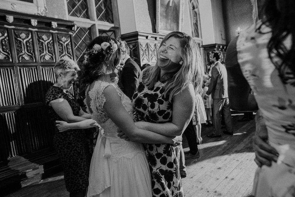 POWDERHAM-CASTLE-WEDDING-PHOTOGRAPHER-CORNWALL-DEVON-114.jpg